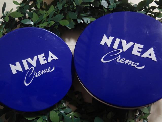 ニベアの青缶、大と小の比較