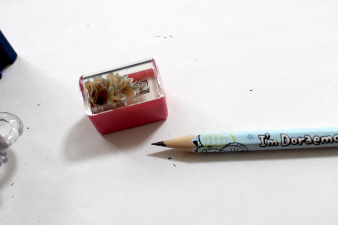 購入した新しい鉛筆削りで削った鉛筆。先が尖がって、削った面もキレイ。