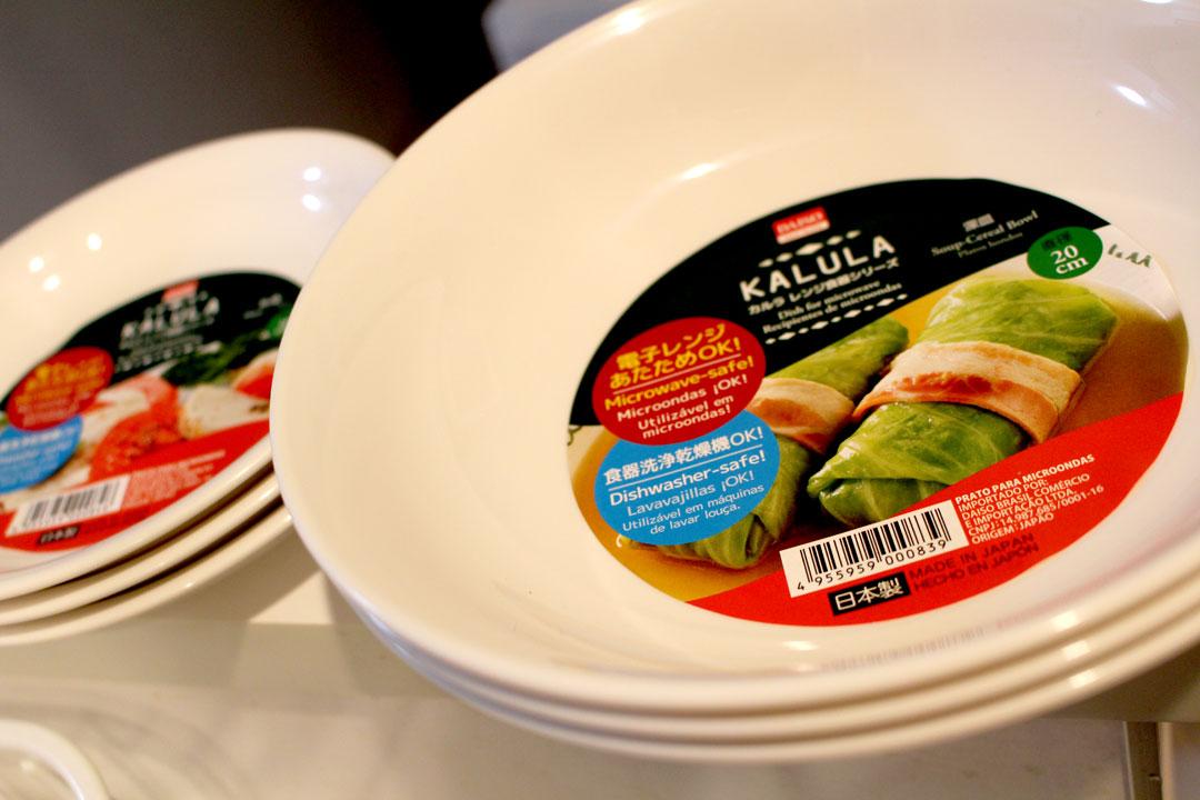 電子レンジ、食器洗い乾燥機にも使えるダイソーの白いプラスチックの食器